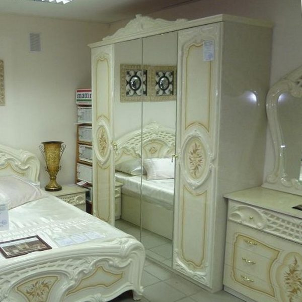 Шкаф 3-х дверный с зеркалами Роза